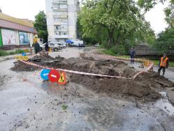 Ремонт трубопроводу за адресою вул. Біляєва, 9