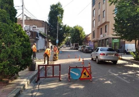 Ремонт трубопроводу по вулиці Чорновола